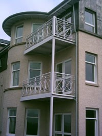 Octavia Terrace, Greenock - Structural Steel Balcony with Steel Balustrade & Stainless Steel Wire Rigging System